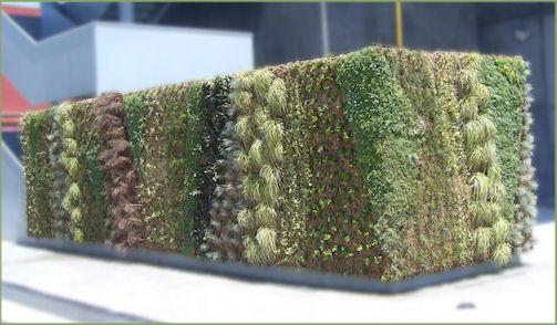 Muro verde en Barcelona (España)