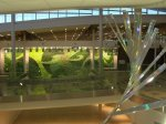 Jardín vertical en el aeropuerto de Edmonton en Canadá