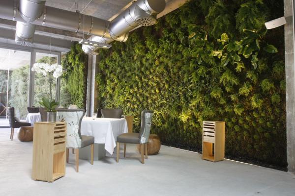 """2012 El """"Cafe de Paris"""" muelle uno en el puerto de Málaga 4"""